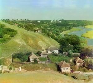Село на березі річки. Україна